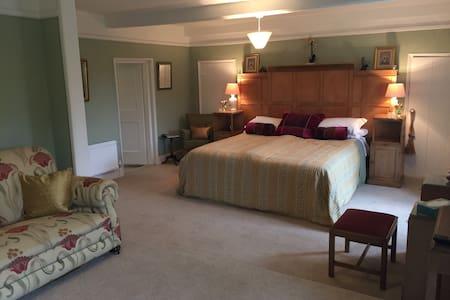 Huge, Spacious Suite with en-suite, North Norfolk, - Old Hunstanton - Hus