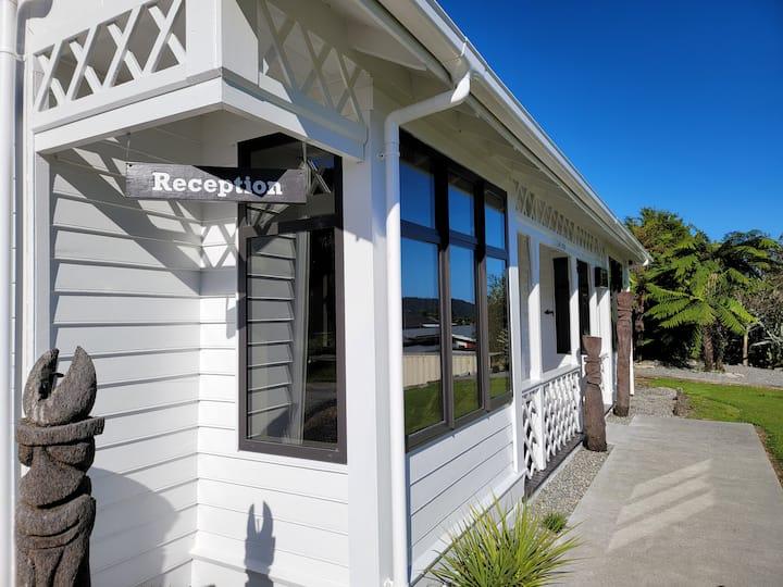 Alpine Country Motel - New Studio Unit 2