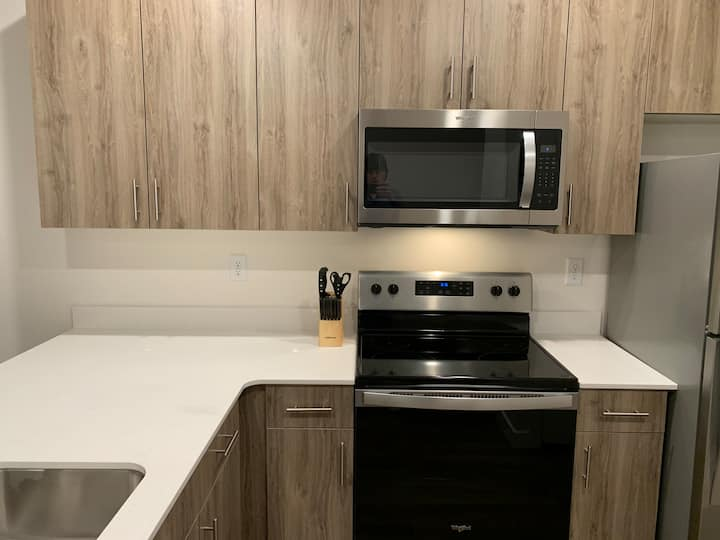 Brand New apartment in Logan, Sleeps 6