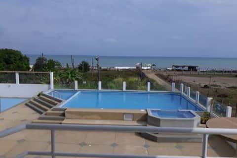 Departamento en Tonsupa a una cuadra de la playa