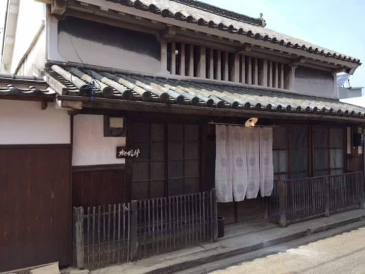 創業260年の老舗醤油屋×築100年の古民家がコラボレーション「かめびし邸」