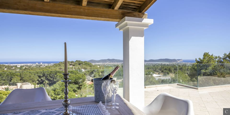 Secluded, modern, renovated villa with views - Illes Balears - Villa