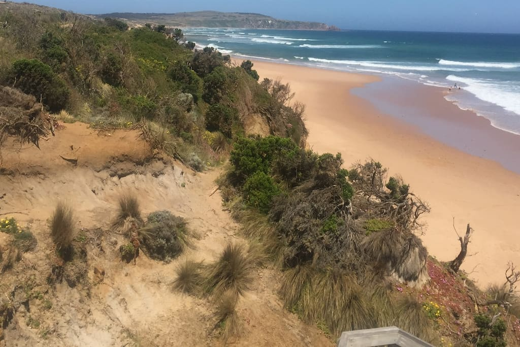 Woolamai Surf Beach access track 150 metre walk from the house