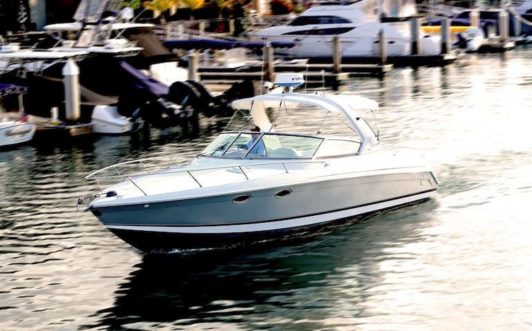 Luxury Boat Rental in Newport Beach and Catalina - Irvine - Boat