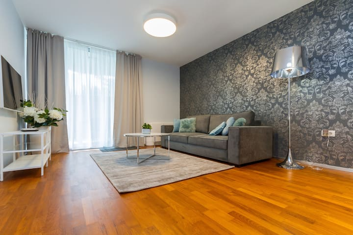 Luxury Apartment 2 With One Bedroom & Terrace
