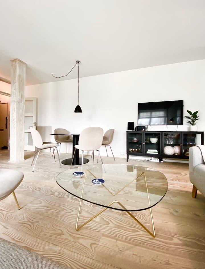 1 bedroom designer apartment with ocean view