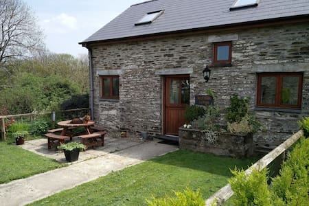 Beautiful converted barn, in lovely rural setting - Newchapel - Rumah