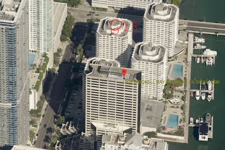 Studio in the heart of the Brickell Financial Dist