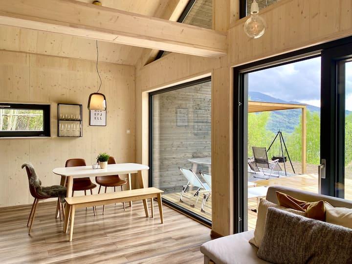 Nybygd hytte nær vann og fjell, kun 1,5 t fra Oslo