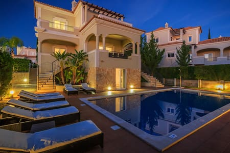 Villa with 5 bedrooms and private pool | Algarve - Loulé