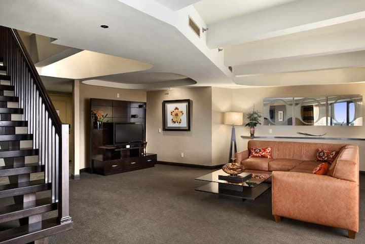Two Story Capitol Suite with Views of the Capitol.