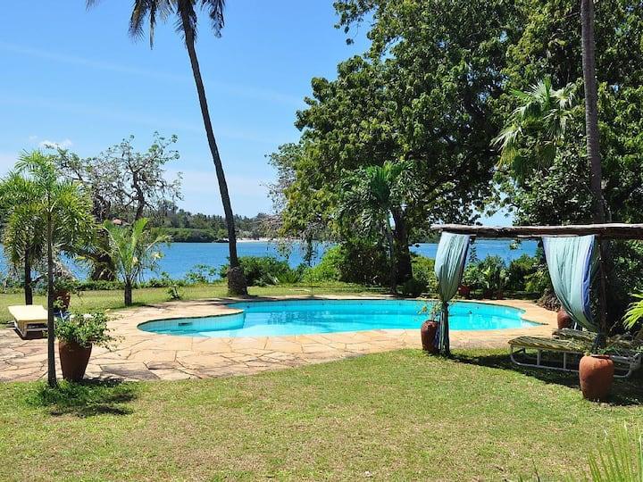 Idyllic beach front house Mombasa