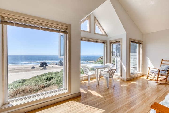 New Listing - Condo with views of the Pacific Ocean