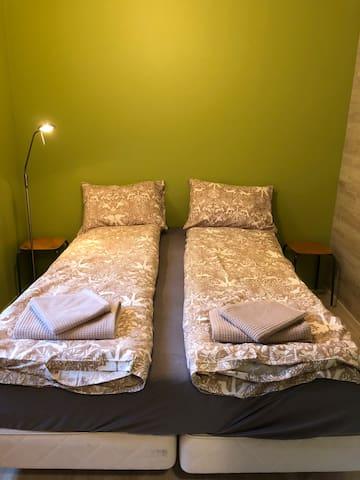 Room no 2: Double Bed 150 cm