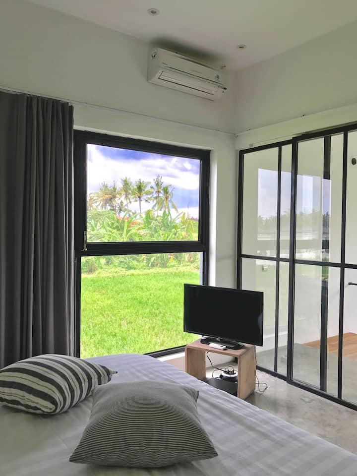 Room in  beautiful modern loft in the rise fields