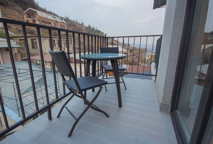 ★Charming 1BR apt. w/stunning view in DT Tbilisi★