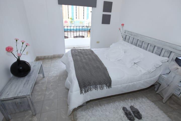 B&B Luxury apartment in Havana's heart