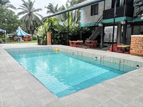 Комфортна охранявана евтина стая Melaka Malacca