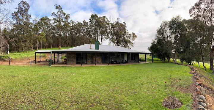 """""""Hartelle Cottage"""" Entire house on 400 acre farm."""