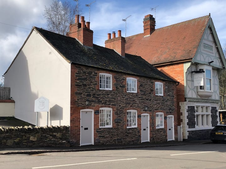 Holts Cottage in the Heart of Charnwood Forest