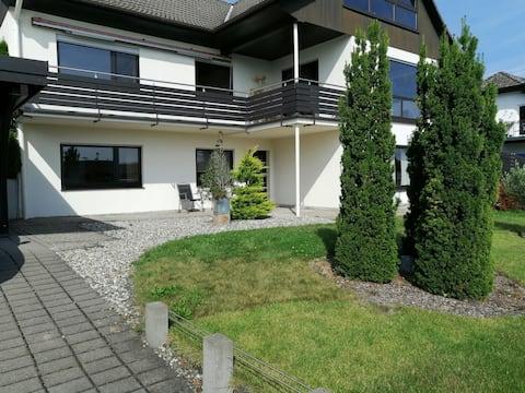 Großzügige, moderne Wohnung im Rheingau-Taunus