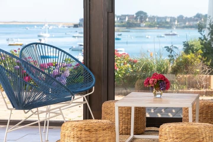 Magnifique maison avec vue et accès privé à la mer