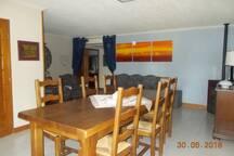 Salle à manger - salon avec son poêle à pellet