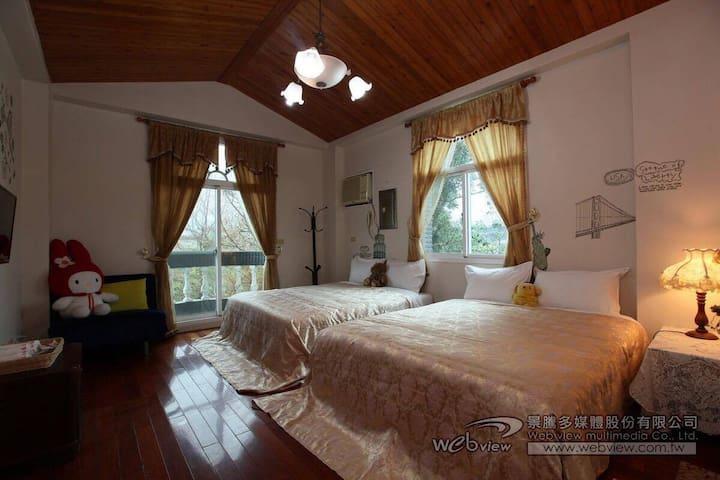 梅花民宿-四人房 - Dongshan Township - Haus