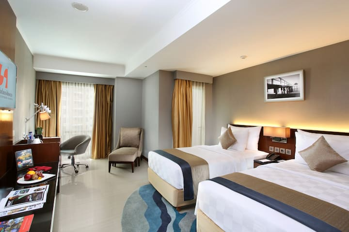 Spacious Room with 2 Beds in the Heart of Kuningan
