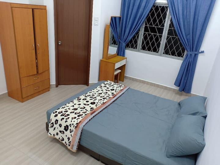 Deluxe room@Tmn Suria,Tmn Gaya,Tmn sentosa