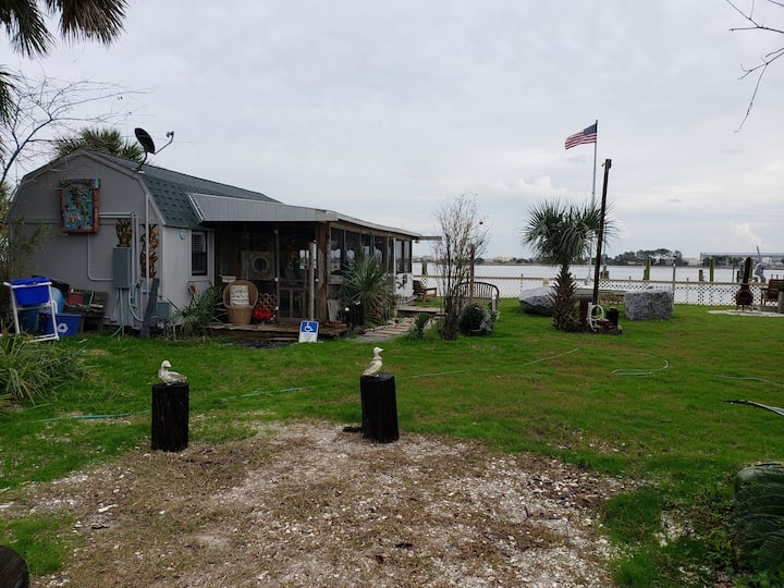 Location! Pelican Point on riverfront & oceanview