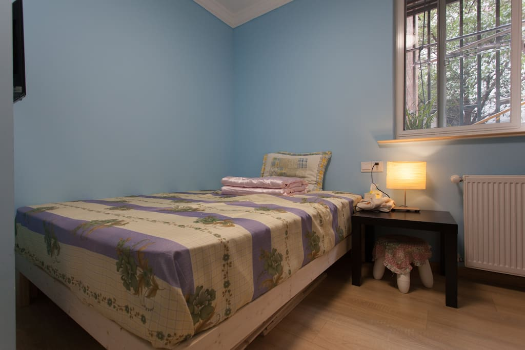 卧室选用进口斯林百兰床垫