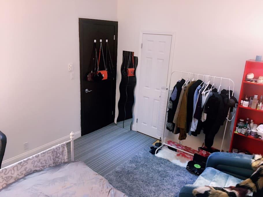 Manhattan low price uws columbia big cozy bedroom for Appartamenti low cost new york