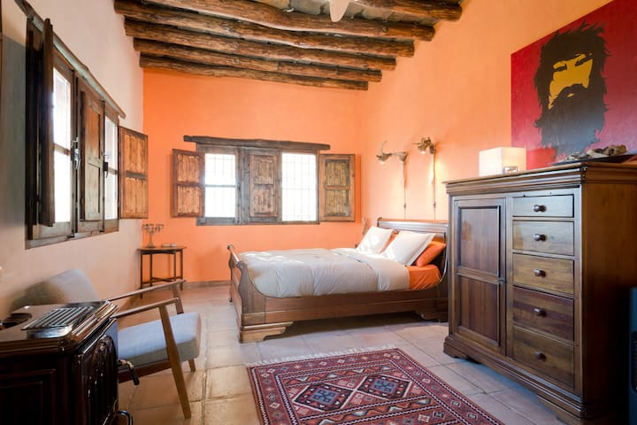 Lovely Rural Eco Farm Home at Sierra Nevada - Alcútar - Bed & Breakfast