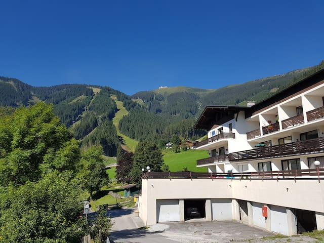 Apartment HOLIDAY - Ski-in/Ski-out - Zell am See - Daire