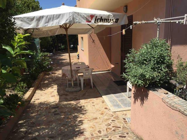 Arzachena Costa Smeralda appartamento con giardino