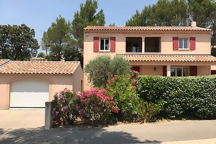 Beautiful Villa in Saumane-de-Vaucluse with Garden