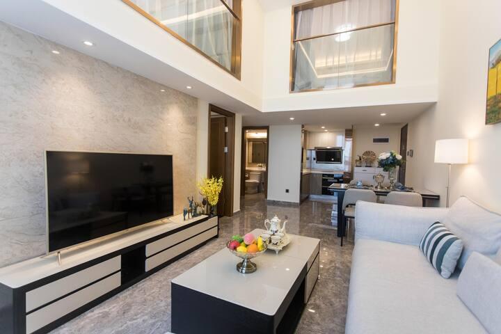 深圳前海青青世界荔湾地铁站附近复式精装修三卧室套房公寓