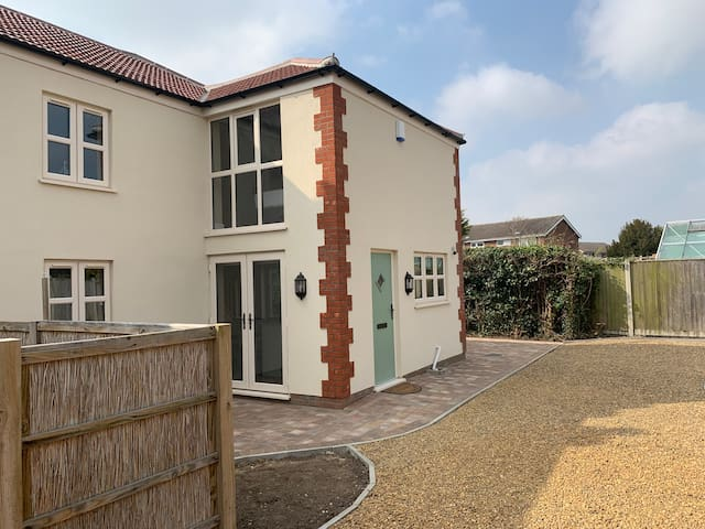 NEW 2019 Spacious 5 Bed cottage with modern twists