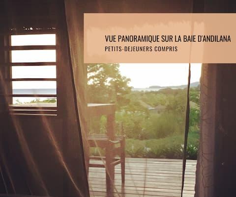 The most beautiful room : Masoandro (Sunrise