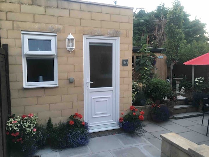 Bijou self contained accommodation in Bath