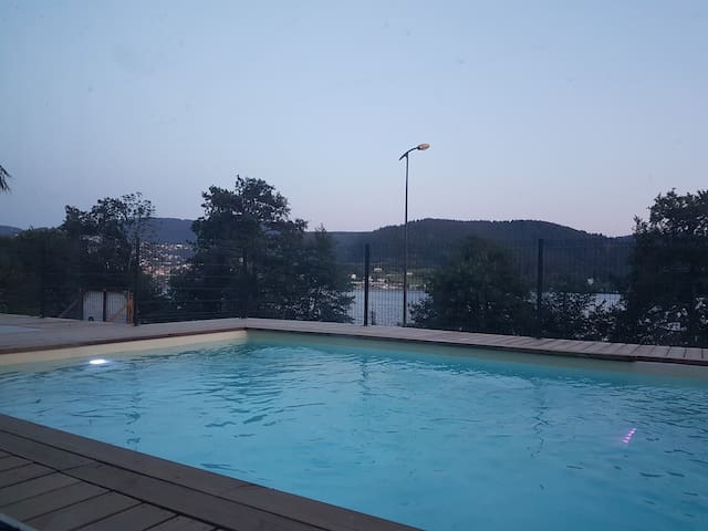 Chalet 28Pers 550M2 2 Piscines,Mini Golf, SPA