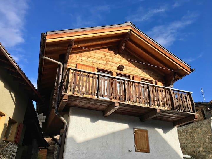 Chalet typique du Valais,Maison bio et bien-être!