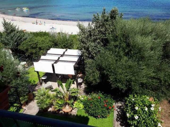 casa sulla spiaggia, bella vista sul mare, Bio4
