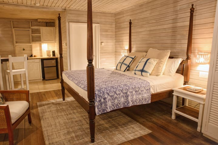 "ECO Lifestyle Lodge - Main House ""Carib Suite"""