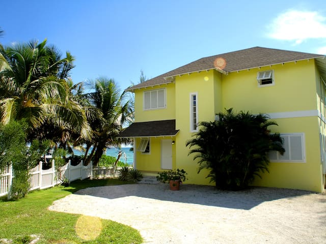 Oceanfront Villa - นัสเซา - วิลล่า