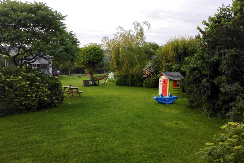 15 ares de jardin à votre disposition