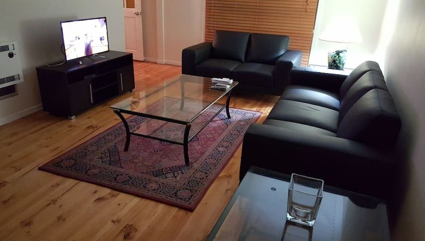 Private & quiet 2 Bedroom Unit. - Essendon West - Villa