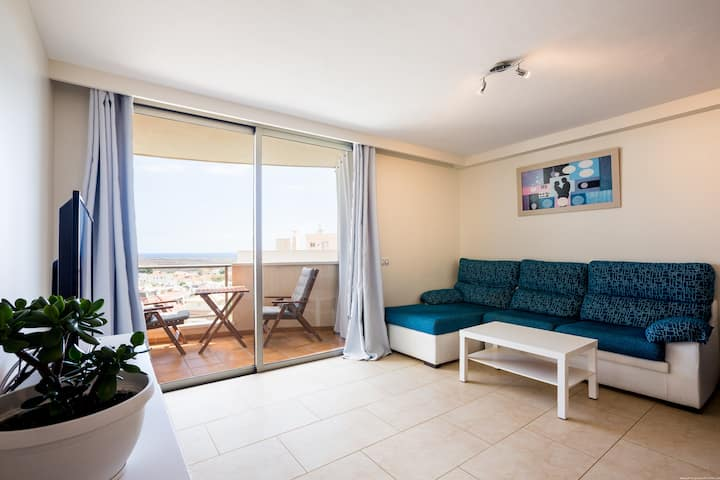 Sunny ocean view apartment in Palm mar