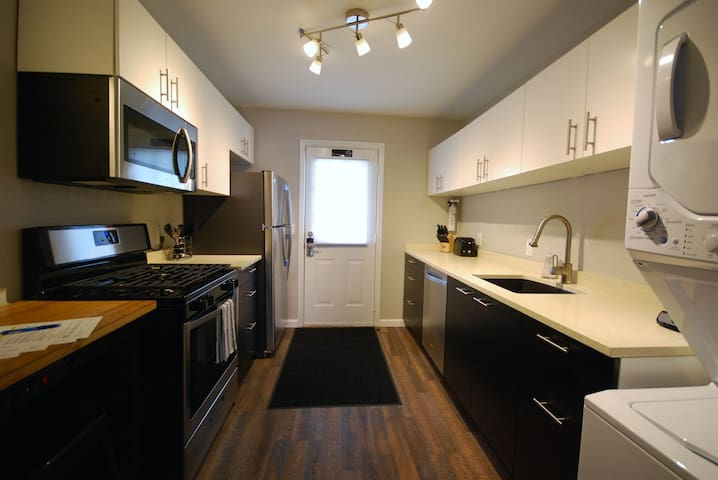 Brookwood Courtyard Condos - Complete Galley Kitchen with Full-Size Appliances